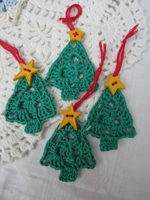 crochet granny christmas tree decoration