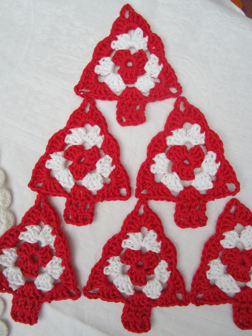crochet granny christmas tree